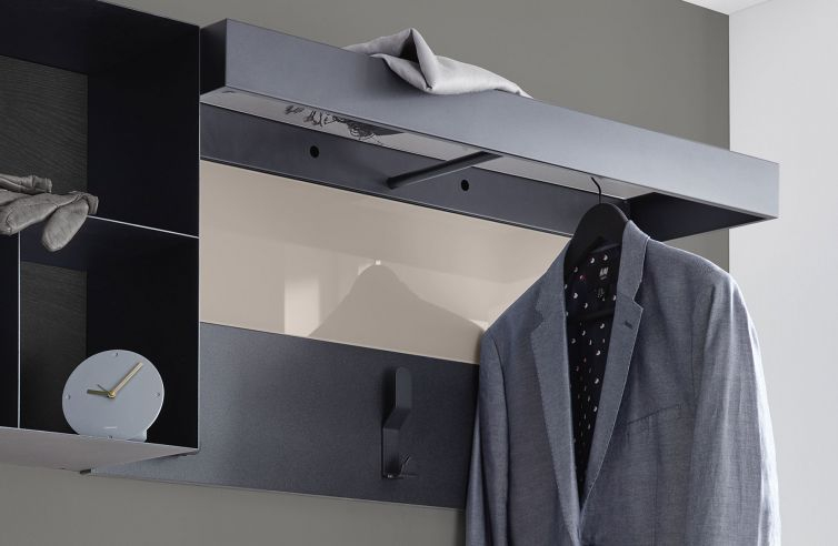 Horizontal Coat Hanger